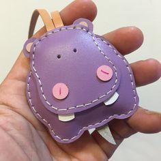 Small size  Hugo the Hippo cowhide leather charm  por leatherprince