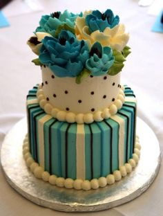 http://whiteflowercake.com/wp/wp-content/gallery/archive-centerpiece/turquoise2.jpg