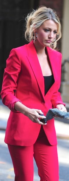 blake lively red suit