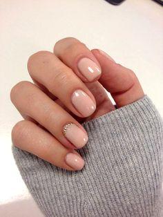 Prächtig Cuticle Nails: Der schönste Nageltrend für kurze Fingernägel &YU_61