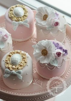 Pretty cupcakes for