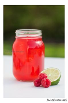 Raspberry Limeade (makes 40 oz) ... Ingredients:  4 cups water, 1 cup sugar, 1/2 cup freshly squeezed Lime juice (6 limes or so), 1/2 cup pureed raspberries (fresh or frozen are fine), 1 tbsp lemon juice