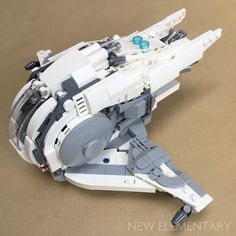 Alt Star Wars: Kev Levell's mothership and fighter   New Elementary, a LEGO® blog of parts Lego Spaceship, Lego Robot, Spaceship Design, Lego Moc, Lego Custom Minifigures, Lego Ship, Amazing Lego Creations, Star Wars Vehicles, Lego Construction