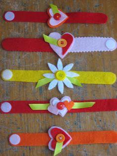 Valentines bracelets out of felt