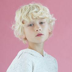 Austin is Edward Simmons Beautiful Children, Beautiful Boys, Pretty Boys, Cute Boys, Beautiful People, Portrait Inspiration, Character Inspiration, Modelo Albino, Blonde Kids