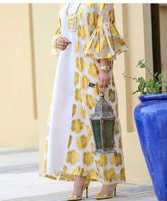 ,nice white and gold,; Hijab Fashion Summer, Modest Fashion Hijab, African Fashion Dresses, African Dress, Fashion Outfits, Dress Outfits, Iranian Women Fashion, Arab Fashion, Muslim Fashion