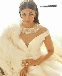 Actress Aishwarya Rai Bachchan poses in Manish Malhotra gown for Harper's Bazaar Magazine India November 2016 Bollywood Stars, Mode Bollywood, Bollywood Fashion, Mangalore, Actress Aishwarya Rai, Aishwarya Rai Bachchan, Bollywood Actress, Deepika Padukone, Indian Celebrities