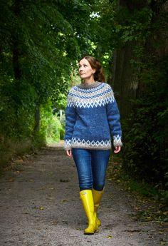 Islantilaisneule | Meillä kotona Icelandic Sweaters, Winter Project, Drops Design, Skinny Jeans, Wool, Knitting, Pretty, Pants, Outfits