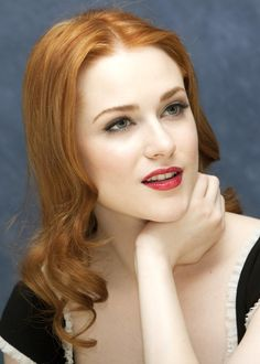 Evan Rachel Wood with a red mouth, alabaster skin and sky-blue eyes Evan Rachel Wood, Rachel Hurd Wood, Alabaster Skin, Rachel Evans, Light Red Hair, Scarlett, Gorgeous Redhead, Actrices Hollywood, Redhead Girl