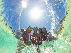 @cacandoviagens - .  As prainhas Arraial do Cabo - RJ  As águas cristalinas desse Arraial nos encantam não há dúvida! Mas na presença de amigos fica ainda melhor. Aproveite!  #cacandoviagens #arraialdocabo #gopro #goprobr #beautifuldestinations #trip #adventure #instagood #photooftheday #instagram #instalike #goprooftheday #cool #nature #brasil #destinosnacionais #brazil #paradise #travelawesome #amazing #beautifulview #earthpix #achadosdasemana #goprobrasil #tbt #gopro.vicio #Regrann by…