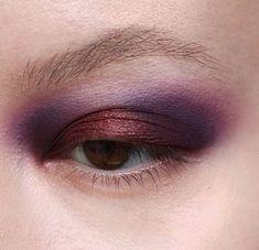 Makeup Kit, Eyeshadow Makeup, Makeup Inspo, Makeup Inspiration, Beauty Makeup, Eyeliner, Hair Makeup, Eyeshadow Palette, Plum Eyeshadow
