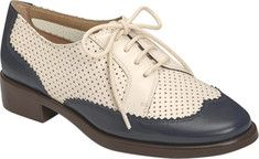 Vintage style shoes Aerosoles - Distinguished (Women's) - Navy Combo. Also in solid black and solid cream.