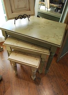 chalk painted furniture ideas   Annie Sloan Chalk Paint   Painted Furniture Ideas can be free flowing to panel