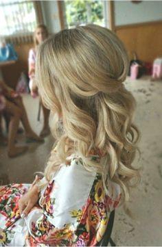 bruidskapsel halflang wedding hair Bridesmaid hair medium length half up simple 44 GasStationMai Lazy Hairstyles, Curled Hairstyles, Bride Hairstyles, Bridesmaid Hairstyles, Simple Hairstyles, Hairstyle Men, Short Haircuts, Hairstyle Ideas, Hair Ideas