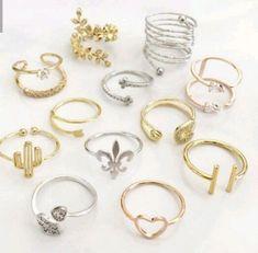مساء الاناقه والنزاك Hand Jewelry, Jewelry Rings, Jewelery, Jewelry Accessories, Jewelry Design, Stylish Jewelry, Simple Jewelry, Cute Jewelry, Cute Rings