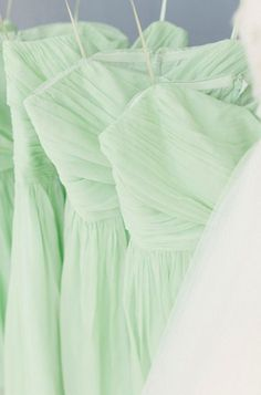 Mint Bridesmaids Dresses Elizabeth Millay Photography 2013 Spring Wedding Trends really likin the mint Mint Green Bridesmaid Dresses, Mint Dress, Bridesmaid Colours, Bridesmade Dresses, Dresses Dresses, Long Dresses, Chiffon Dress, Wedding Dresses, Wedding Mint Green