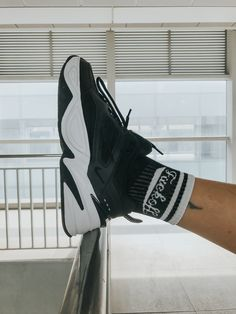 Sosete cu mesaj Fuck Off Socks / Buy Now Buy Now, Sneakers Nike, Socks, Photo And Video, Stuff To Buy, Instagram, Fashion, Nike Tennis, Moda