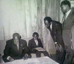 One of the rarest coincidences ever. . . . All of one country's presidents in the same photo!!!!  (L-R) Jomo Kenyatta, Uhuru Kenyatta, Mwai Kibaki, Daniel Arap Moi)  Anyone with a photo of all Uganda's presidents in one room?
