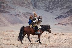Eagle hunting in Mongolia 07