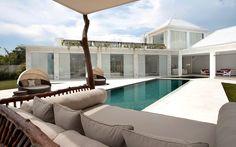BCP-White-villa-swimmingpool.jpg (1024×638)