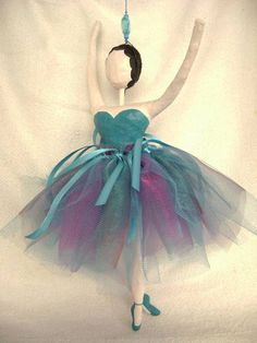 Móbile+bailarina+de+papel+machê+-+28+cm R$ 120,00