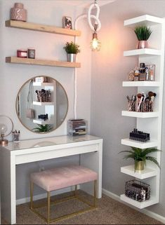 room inspiration 8 Effortless DIY Ideas To Organize Makeup According To Your Personality Type. Make the most of your makeup storage and decorate your makeup desk according to your personal style. Small Room Bedroom, Small Rooms, Room Decor Bedroom, Modern Bedroom, Bedroom Ideas, Bedroom Office, Teen Bedroom, White Bedroom, Bedroom Designs