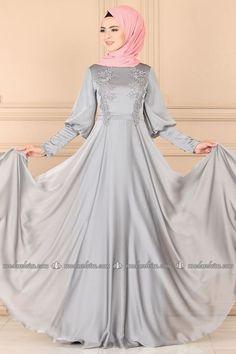 Modaselvim ABİYE Kol ve Önü Güpürlü Abiye PN2027 Gümüş Hijab Fashion, Girl Fashion, Baby Girl Party Dresses, Chic Dress, Veil, Islam, Wedding Dresses, Gw, Pakistani