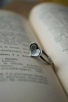 : two domed hearts with patina - ring Heart Jewelry, Cute Jewelry, Metal Jewelry, Sterling Silver Jewelry, Jewelry Rings, Jewelry Box, Jewelry Making, Heart Ring, Geek Jewelry