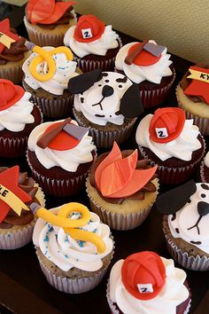 Fire Fighter Cupcakes - these don't look too hard Firefighter Cupcakes, Fireman Cupcakes, Firefighter Birthday Cakes, Fireman Cake, Fireman Birthday, Fireman Party, 3rd Birthday, Birthday Ideas, Fire Fighter Cake