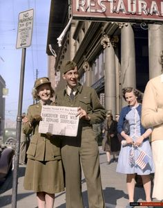 Celebrating the announcement of VE Day in Vancouver – May 1945 14 Incredible Photos That Will Show You Canada's History In Full Colour
