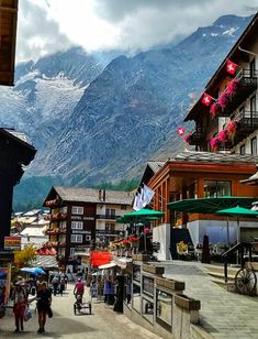 A Summer Winter Sports Region Saas-Fee Switzerland - MelbTravel Summer Winter, Winter Snow, Saas Fee, Cross Country Skiing, Estes Park, Winter Scenes, Winter Sports, Lake Tahoe, Outdoor Camping