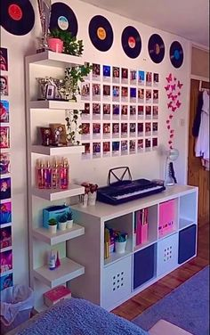 Indie Room Decor, Cute Bedroom Decor, Room Design Bedroom, Aesthetic Room Decor, Room Ideas Bedroom, Bedroom Inspo, Diy Room Ideas, Diy Teen Room Decor, Wall Art Bedroom