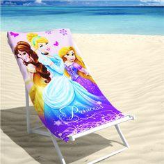"""Disney Strandlaken Princesses 70x140cm is een badlaken van 100% katoen en een """"musthave"""" voor de kids op het strand!"""