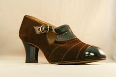 1930s shoes for women | 1930s Women's Nubuck and Patent Leather Buckled Captoes