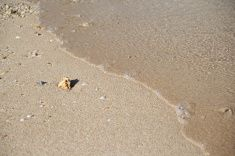 波打ち際の沖縄のビーチ stock photo