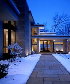 Exterior walkway (sewell residence cedar lake by Charles R. Stinson Architects)