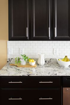 Backsplash ceramic tiles, as an example, provide a finished look to any type of kitchen. They can transform the appearance of the entire space for an absolutely new look. #KitchenRemodel #KitchenIdeas #Backsplash