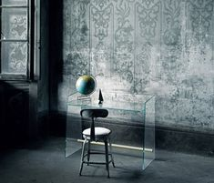 Pirandello is @glasitalia writing #desk in transparent extralight glass or in a special double-faced extralightacid-etched glass tempered and thermowelded.