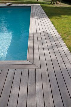 gorgeous decking...Tour de piscine en massaranduba