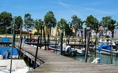 Steg der #Insel #Burano bei #Venedig © Petra Gschwendtner Petra, Venice Italy, Explore, Island, World