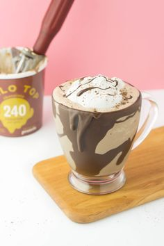 The most amazing drink made with the most amazing ice cream, HALO TOP! Frozen Hot Chocolate, Chocolate Milkshake, Melting Chocolate, Chocolate Shake, Chocolate Cream, Halo Top Recipe, Healthy Desserts, Dessert Recipes, Healthy Drinks