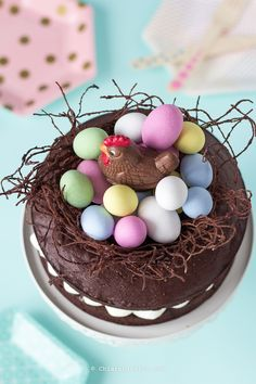 recipe-pie-nest-of-easter-to-chocolate shared by Ʈђἰʂ Iᵴɲ'ʈ ᙢᶓ Cakes To Make, How To Make Cake, Chocolate Easter Nests, Dessert Chocolate, Desserts Ostern, Chocolate Garnishes, Baking Recipes, Dessert Recipes, Candy Cakes