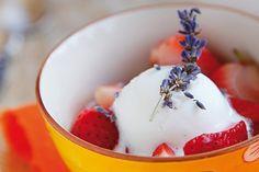 Erdbeeren vom Grill mit Apfel-Lavendel-Sorbet