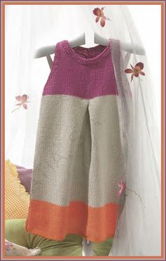 KATIA Official Website - Knitting yarns, fabrics, books and free patterns by Katia Knitting For Kids, Knitting Yarn, Knitting Projects, Baby Knitting, Crochet Baby, Knit Crochet, Knitting Needles, Crochet Hooks, Young Girl Fashion