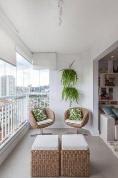 Balkon - Loggia in 14 Ansichten - Angela Karlin - Dekoration - Balcony Minimalist Apartment, Natural Home Decor, Home Decor Styles, Interior, Home Decor Trends, House, Apartment Balcony Decorating, Traditional Decor, Home Deco
