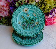 2 Beautiful Antique Villeroy & Boch Majolica Pottery Plates ~ Daisy