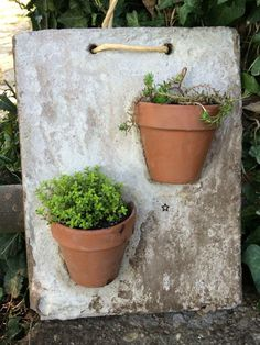 Relaxing Diy Concrete Garden Boxes Ideas To Make Your Home Yard Looks Awesom. - Relaxing Diy Concrete Garden Boxes Ideas To Make Your Home Yard Looks Awesome Source by gago - Cement Art, Concrete Pots, Concrete Crafts, Concrete Garden, Concrete Planters, Concrete Wall, Garden Crafts, Garden Art, Creation Deco