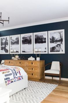 Amazing Navy Master Bedroom Decor Ideas - Home Design Modern Room, Home Decor, Bedroom Furniture, Stylish Bedroom, Minimalist Bedroom, Stylish Bedroom Design, Modern Bedroom, Bedroom Vintage, Master Bedrooms Decor