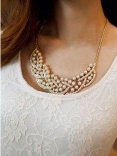 Intertwined Pearl Neckpiece