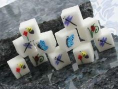 Digital Inspiration - The Tech Guide: Sugar Cube Art Funny Picture Jokes, Sugar Cubes, Edible Food, Sugar Art, Party Accessories, Cute Food, Creative Food, Cookie Decorating, Food Art